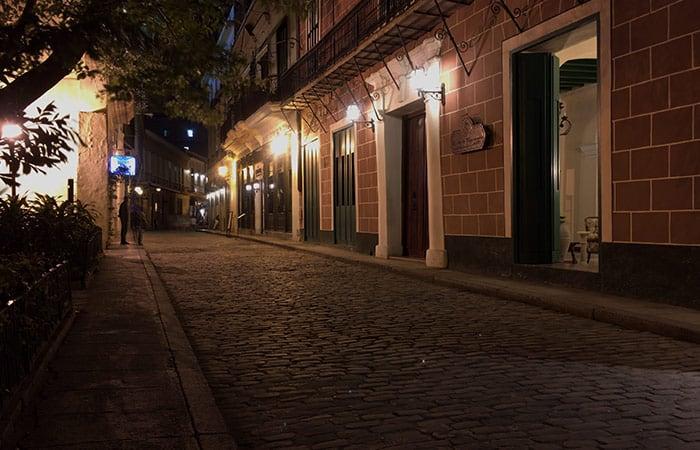 la habana vieja, foto nocturna con iphone fotos en raw